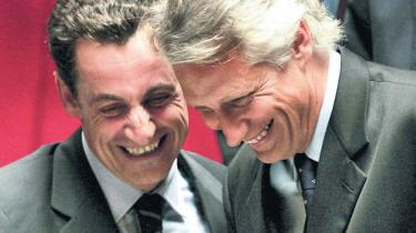 Clearstream-affæren om hemmelige og ulovlige bankkonti involverer både Frankrigs præsident og en tidligere fransk premierminister, men hvem har bagvasket hvem?