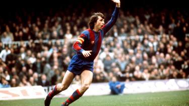 Boldartisten. Hollandske Johan Cruyff, der både har spillet for og siden trænet FC Barcelona, blev med årene endnu mere catalansk end de indfødte. Her fejrer han den 27. november 1978, at han netop har scoret et mål.