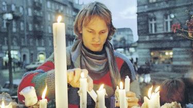 Da østtyskerne fik lov at rejse den 9. november 1989, indså de færreste rækkevidden. Når man stod midt i begivenhederne, var det svært at fatte, at 40 års opdeling i øst og vest var slut. Informations udsendte i Berlin skriver her om de hektiske dage og uger, da DDR brød sammen