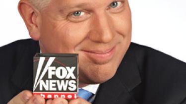 Tv- og radioværten Glenn Beck er ekstrem højreorienteret og buldrer mod den sorte demokrat i Det Hvide Hus.