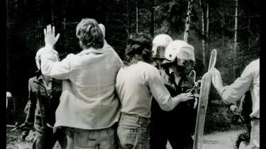 I 1975 besatte den tyske anti-atombevægelsen en byggeplads i byen Wyhl i Tyskland, hvor der skulle opføres et atomkraftværk. Selv om politiet flere gange forsøgte at fjerne aktivisterne, resulterede den civile ulydighed i, at værket aldrig blev opført