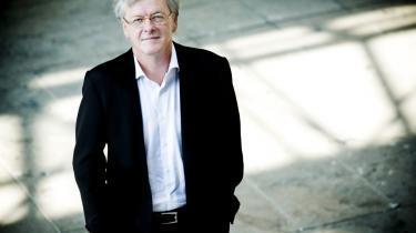 Peter Bysted tiltrådte som rektor for Danmarks Designskole i 2007, men i sidste uge valgte han at trække sig fra posten på grund af frustrationer omkring fusionen med Arkitektskolen. En fusion han ikke mener, at kulturministeren har styr på i tilfredsstillende grad.
