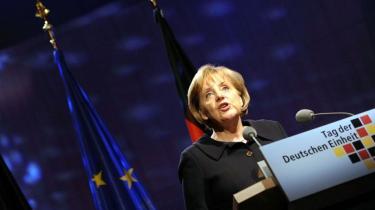 Med en nyslået borgerlig regering er der nyt håb hos de tyske energikoncerner, der håber på at fortsætte driften af de upopulære tyske atomkraftværker. Oppositionen kritiserer den nyvalgte tyske regering