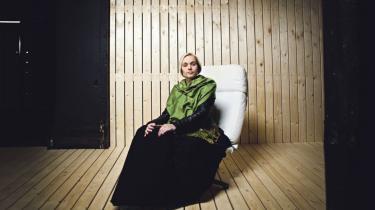 Efter sin internationale succes som Dronning Gertrud i Romy Coppolas fortolkning  af 'Hamlet' er Laura Christensen igen vendt hjem til Danmark. Vi har mødt hende til  en samtale om moderrollen, den kristne tro og længslen efter snevejr