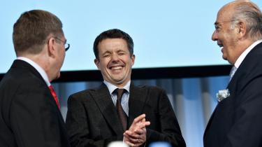Kronprins Frederik har ikke noget at gøre i IOC, og det må han skynde sig at indse. Det kræver naturligvis hår på brystet at foretage et tilbagetog på nuværende tidspunkt, men hvis man kan tude foran en fyldt Vor Frue Kirke og millioner af seere, så har man også mod til at indrømme, at IOC ikke er passende selskab for en kronprins af Danmark, siger Trine Willemann.
