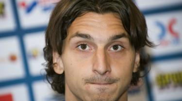 Zlatan Ibrahimovic mener ikke, at det danske fodboldlandshold har formatet til at spille 4-3-3.