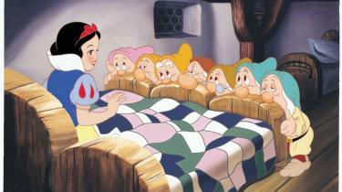 Mesterværk. Disney har restaureret tegnefilmen 'Snehvide og de syv små dværge' fra 1937, og det fantasti-ske håndværk er synligt i hvert eneste billede, der stråler med en glans, den hidtidige dvd-udgave ikke kan leve op til.