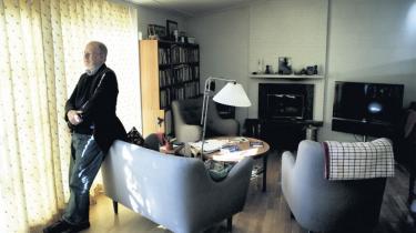 Nedbrud. Da alle de projekter, Anders Bodelsen havde siddet og arbejdet med i flere år, forsvandt fra computeren, og de var ikke gemt noget andet sted, forsvandt også Anders Bodelsens skriveblokering. Og i april i år begyndte det at flyde med noveller, der hurtigt blev til en samling.