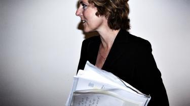 Magtkamp. De seneste ugers konflikt, om det er klimaminister Connie Hedegaard, der er nummer ét i klimaforhandlingerne, er udtryk for den volumensyge, der gennem de seneste regeringer har ramt Statsministeriet: Fagministerierne bliver i stigende grad redskaber for Statsministeriet.