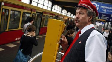 Et helt kapitel er viet til Berlins undergrundsbane,   der bliver afsæt for mange små og store historier.