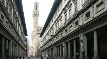 Giorgio Vasari var bl.a. arkitekten bag Firenzes store  administrationspalads Gli Uffici fra 1560'erne. I dag huser det en af verdens mest mageløse kunstsamlinger.