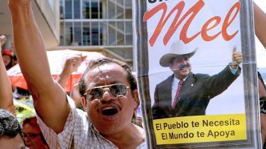Honduras' afsatte præsident, Manuel Zelaya, har fortsat mange tilhængere i hjemlandet, og de var straks på gaden for at udtrykke deres begejstring over udsigten til, at præsidenten kan vende hjem inden det forestående præsidentvalg.