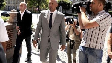 Fodboldverdenen er kendt som et meget maskulint miljø. Den tidligere OB-målmand Arek Onyszko fik en fyreseddel på Fyn, da han i sommer fik en dom for vold mod sin ekskone.