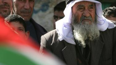 Mahmoud Abbas meddelte torsdag, at han ikke genopstiller. Det åbner for et generationsskifte i den palæstinensiske ledelse, som skaber frygt for en ny intifada