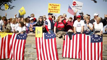 En mere inkluderende sundhedsreform lyder for europæere nok som sund fornuft, men amerikanerne føler sig ikke trygge ved statsmagtens ideer og protesterer derfor.