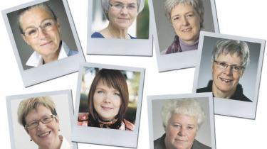 De halvgamle mænd dominerer massivt i byrådene. Af i alt 98 kommuner har kun syv en kvinde som borgmester. Kvinder og eksperter siger, at den skæve kønsfordeling dels skyldes et voskende arbejdspres, sene møder og mangel på løn for hvervet
