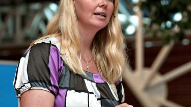 Venstres københavnske spidskandidat, Pia Allerslev, har kastet sig ud i at reklamere for Peugeot-biler.