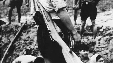 Vietnam. Det Vietnam-krigen viste, at en befolkning aldrig vil komme til at bakke op om en udenlandsk besættelsesstyrke - eller en regering, der er afhængig af udlandet. Talebans styrke er ikke det, de vil, men deres nationalisme - det var også kommunisternes styrke i Vietnam, siger Daniel Ellsberg.