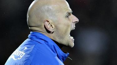 Ståle Solbacken er ikke længere den rette mand til at lede FCK. Især ikke efter at det blev meldt ud, at nordmanden har tænkt sig at forlade klubben i 2011.