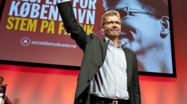 Frank Jensens valgkampagne i København har haft ham selv som tema. 'Stem på Frank', hedder det på plakaterne, der pryder et let idylliseret portræt på rød baggrund, som ifølge Venstres Søren Pind mest ligner et frimærke fra Sovjetunionen.