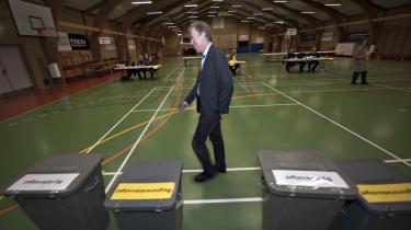 Villy Søvndal stemte i Sønder Stenderup i går.