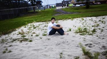 I sommer blev Ammar Jaffar sammen med sin familie indsat i Ellebæk Fængsel, fordi de som afviste irakiske asylansøgere stod til tvangsudvisning til Bagdad. Igennem syv år havde familien trodset de danske udlændingemyndigheder og nægtet at rejse. Det viste sig at være klogt. I går fik hele familien asyl.