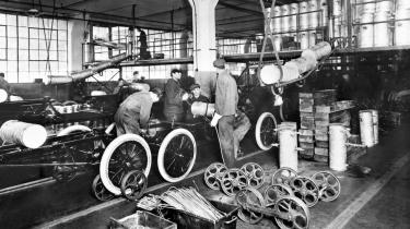 Samlebåndsproduktion på Ford-fabrikkerne i Highland Park, Michigan. I første halvdel af forrige århundrede var USA førende inden for teknologi og innovation.