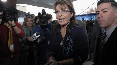 Sarah Palin er en af de h©™jre°©fl©™js°©politikere, som flere frygter kan skade republikanerne mere end de gavner med deres eks°©tre°©me holdninger, der skr©°m°©mer midters©™gende v©°lgere v©°k.