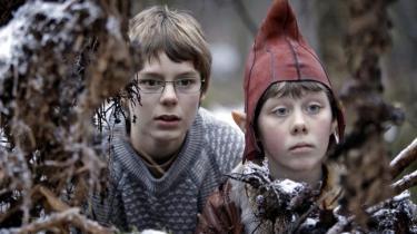 I morgen begynder årets julekalenderudsendelser på tv, og hvor TV 2 genudsender for både børn og voksne, har Danmarks Radio nyproduceret lovende juledramatik for børn