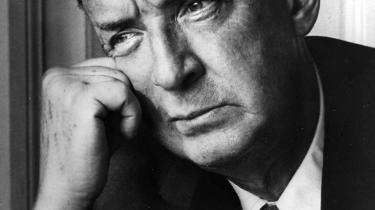 Nabokov, der blev verdensberømt med romanen 'Lolita', var en af de markante fornyere af romangenren i det 20. århundrede og flere gange på tale som kandidat til Nobelprisen i litteratur. Nu er hans efterladte roman 'The Original of Laura ' blevet udgivet mod hans vilje.