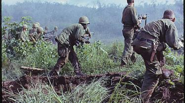 Den uomtvisteligt borgerlige DR-reporter Christian Winther, der dækkede Vietnam-krigen kritisk, ville ikke have fået lov til at være med på holdet, der dækkede Irak-krigen. Regering og Folketing burde savne kritiske reportere som ham
