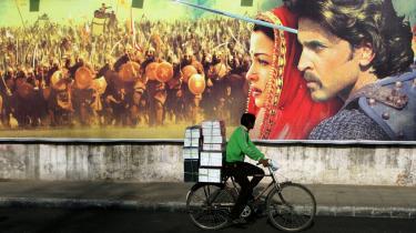 Filmisk. Tabish Khairs 'Film. En kærlighedshistorie' er flimrende og hoppende som en gammel stumfilm, men hæng på, det lønner sig.