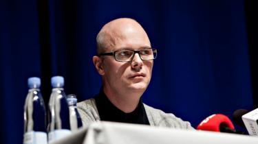 Et af den virkelige Blekingegadebandes medlemmer, Bo Weymann, overvejer nu et sagsanlæg mod TV 2 for uretmæssig at blive sat i forbindelse med et millionrøveri
