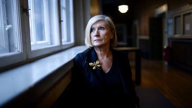 Jeg er ikke ekspert i Europa, indrømmede den politiske tænker Chantal Mouffe. Men det afholdt hende ikke fra at tale om Europa, da hun i ugen gæstede Københavns Universitet. De europæiske eliter tror ifølge Mouffe, at de kan definere det rigtige for alle mennesker. Vælgerne skal så bare klappe i hænderne og sige 'ja'.