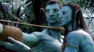 I sin nye krop kommer Jake tæt på Na'vi-folket og den handlekraftige prinsesse Neytiri (Zoë Saldana).