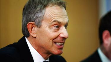 Vrede reaktioner i Storbritannien efter tidligere premierminister Tony Blair indrømmer, at Saddam Hussein måtte væk - masseødelæggelsesvåben eller ej