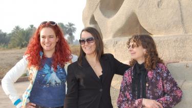 Gudrun Holck, Isabel Piganiol   og Marianne Larsen   under rundvisning   i Babylon.