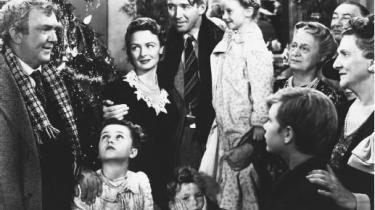 Frank Capras sort/hvide-klassiker, der havde premiere i kølvandet på Anden Verdenskrig og har James Stewart i hovedrollen, er stadig en af de allerbedste julefilm nogensinde