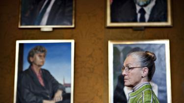 Efter næsten fire årtiers politisk karriere går Ritt Bjerregaard nu på pension som forbillede for alle dem, der kommer ned med nakken, men insisterer på at holde hovedet højt