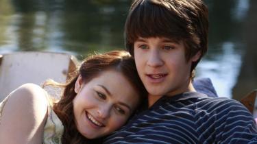 'The First Time', den amerikanske genindspilning af 'Kærlighed ved første hik', er en udmærket ungdomskomedie, men også en såre overflødig film