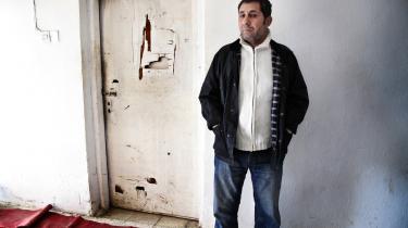 Abdeljabbar blev hjemsendt til Irak fra Danmark i september 2009, og han bor nu hos en bekendt tæt på al-Qaeda-bastionen Mosul, hovedstaden i den voldsramte Ninewa-provins. Men hvor længe, han kan blive boende der, ved han ikke. 'Dem, jeg bor hos, er ved at være trætte af mig,' fortæller han med henvisning til, at han ikke sover godt og ofte råber og græder i søvne.