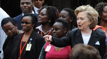 Den 28-årige somaliske mand, der fredag trængte ind i Kurt Westergaards hjem, er under mistanke for at have at været med til at planlægge et storstilet terrorangreb i forbindelse med den amerikanske udenrigsminister Hillary Clintons besøg i Kenya i august sidste år. Clinton deltog under sit besøg i en mindehøjtidelighed for ofrene for terrorattentatet mod den amerikanske ambassade i Kenya i 1998.