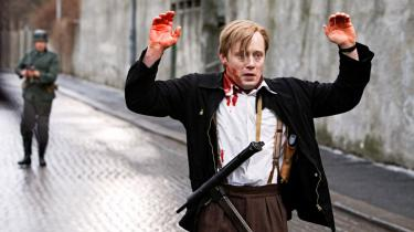 'Max Manus', der handler om den norske modstandskamp under Anden Verdenskrig, er en veliscenesat genrefilm, der ikke stikker så dybt