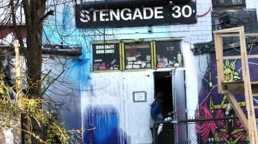 Efter egentlig at have lukket og slukket, åbner spillestedet Stengade 30 igen. Men trods et offentligt tilskud på fem mio. kr. er det endnu ikke reddet.