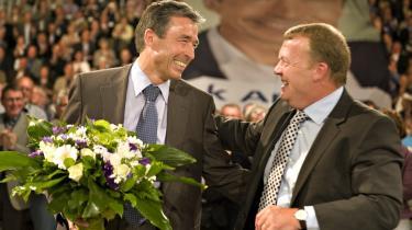 Anders Fogh Rasmussen spillede hovedrollen på Venstres seneste landsmøde i november, til trods for at Lars Løkke på det tidspunkt havde overtaget taktstokken i partiet. Kilder mener, at Fogh forsømte at forny partiapparatet, da han begyndte at se sig om efter en international toppost.