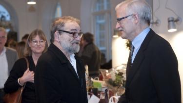 Nej, det er ikke Lars Hedegaard i forklædning. Mogens Rukov står ved siden af, men Johannes Riis, der kan fejre fødselsdag for tiden.