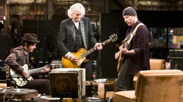 Kærlighed. Filmens omdrejningspunkt er et vellykket møde mellem Jimmy Page, The Edge og Jack White - tre meget meget forskellige guitarister, tre generationer, der deler kærligheden til den elektriske udgave af musikinstrumentet med de seks strenge.