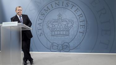 Statsminister Lars Løkke Rasmussen oplyste i går på sit ugentlige pressemøde, at regeringen agter at forbyde lærere i folkeskolen at bære burka eller niqab. Flere skolefolk mener dog, at forslaget er unødvendigt,   der er tale om et   ikke-eksisterende problem