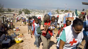 FN's ledende nødhjælpskoordinator i Haiti, Jesper Holmer Lund, beretter om en yderst kompleks nødhjælpssituation, hvor samarbejdet til tider er frustrerende
