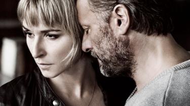 'Kvinden der drømte om en mand' er både banal og tynget af klicheer, lyder dommen fra flere af landets filmkritikere